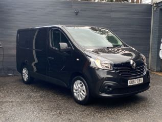 Used RENAULT TRAFIC in Surrey for sale