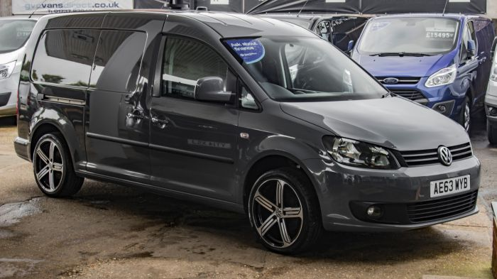 Used VOLKSWAGEN CADDY MAXI in Surrey for sale